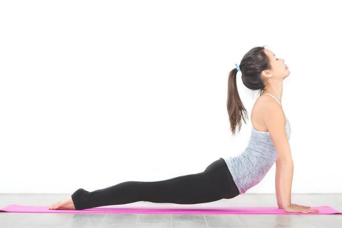 20 posturas de yoga para desarrollar fortaleza física y espiritual.